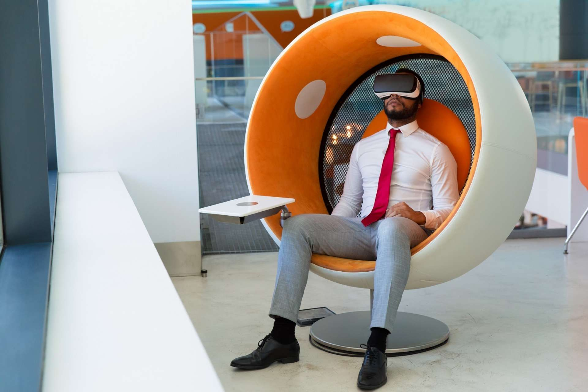 P2 ctouch peaceful businessman in VR headset small
