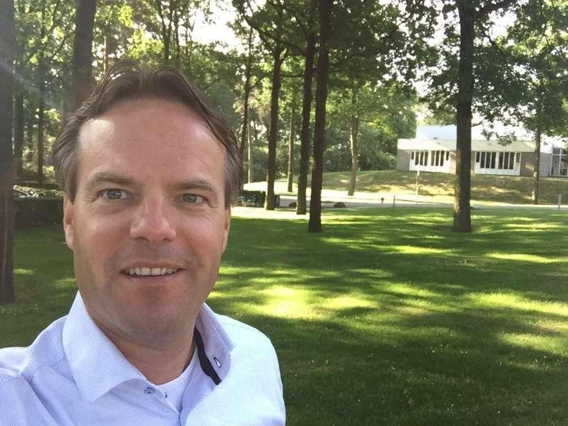 Steven Zegelaar Business Development Manager Corporate CTOUCH