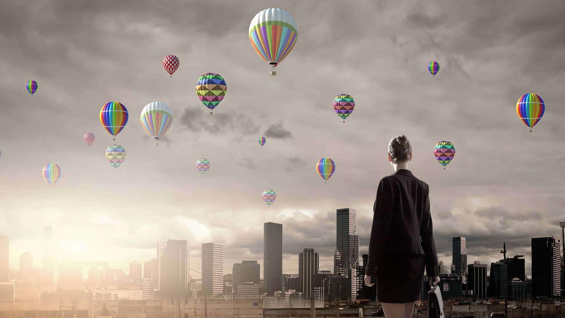 Skyline_balloons3840x2160-pixels-min